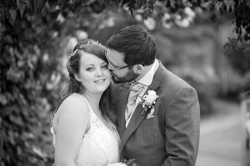 Wedding Photographer Warwickshire Mythe Barn